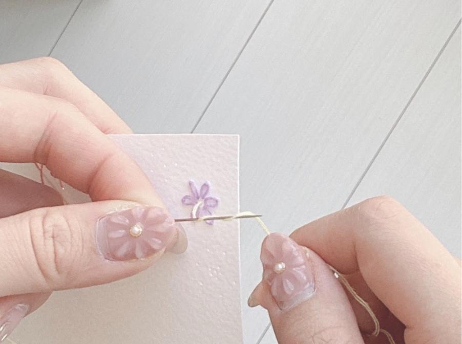 4紙刺繍でのドットの縫い方(フレンチノットステッチ)