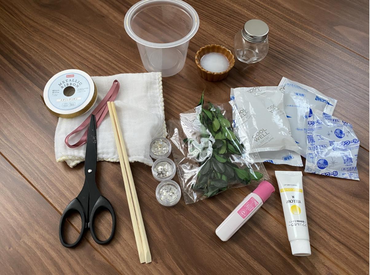 保冷剤を使った消臭剤に必要な材料
