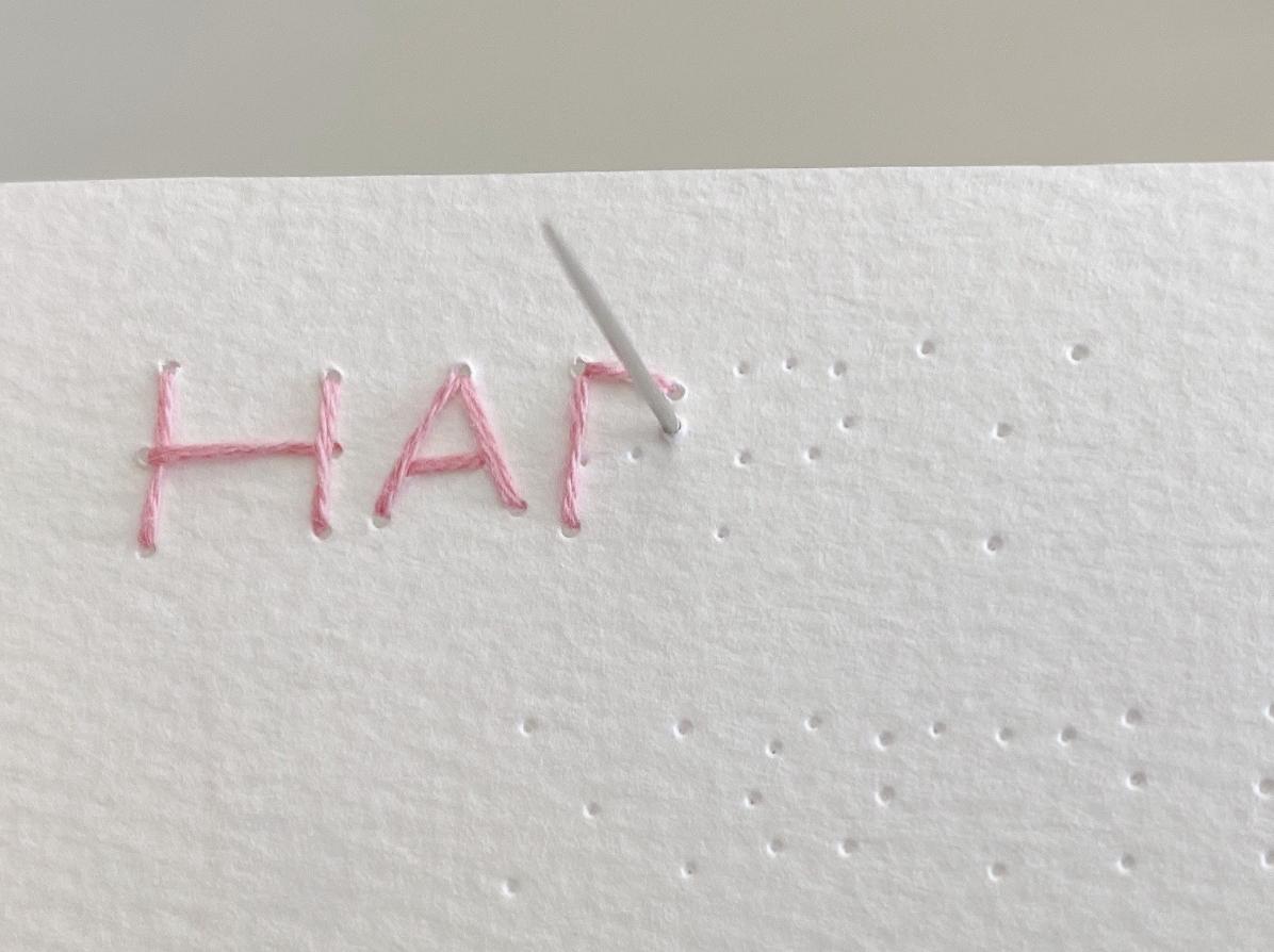 紙刺繍の基本的な縫い方(バックステッチ)