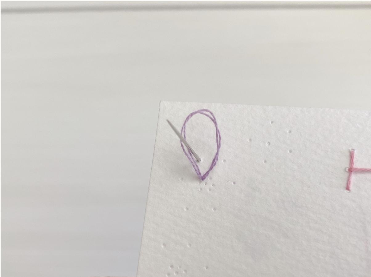 紙刺繍での縫い方ー応用編①ー(レゼーデイジーステッチ)