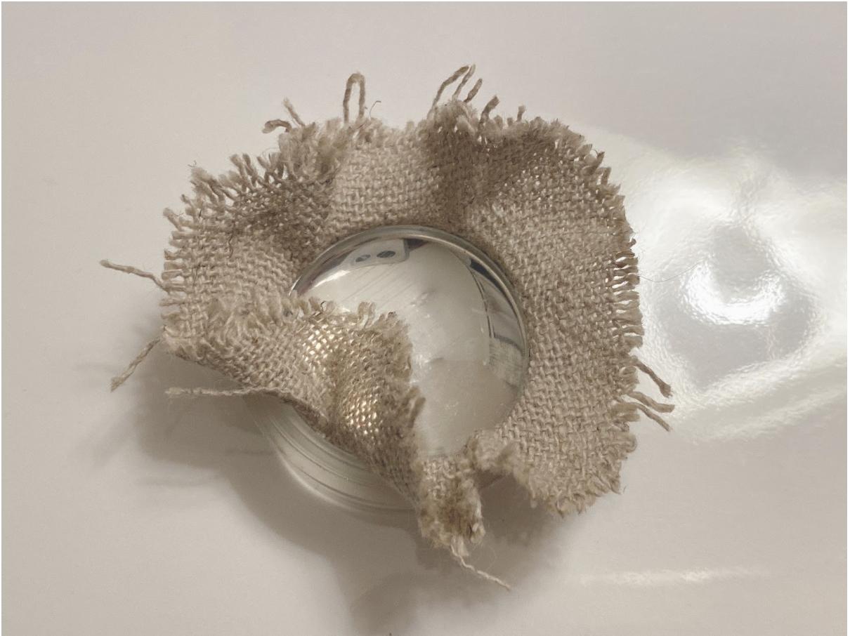 ラベンダー刺繍くるみボタンの仕上げ方
