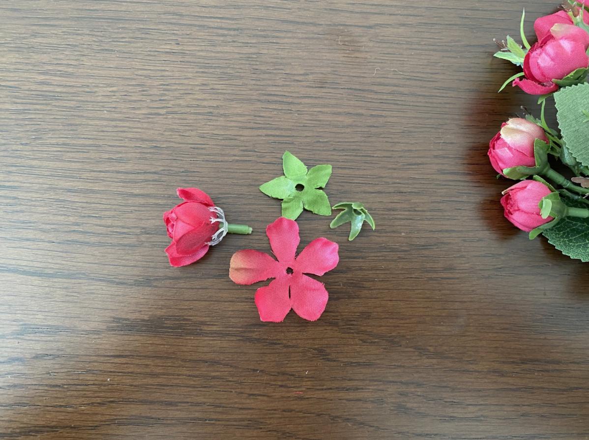 【100均DIY】おうち時間に造花で作るコットンパール・ピアスの作り方