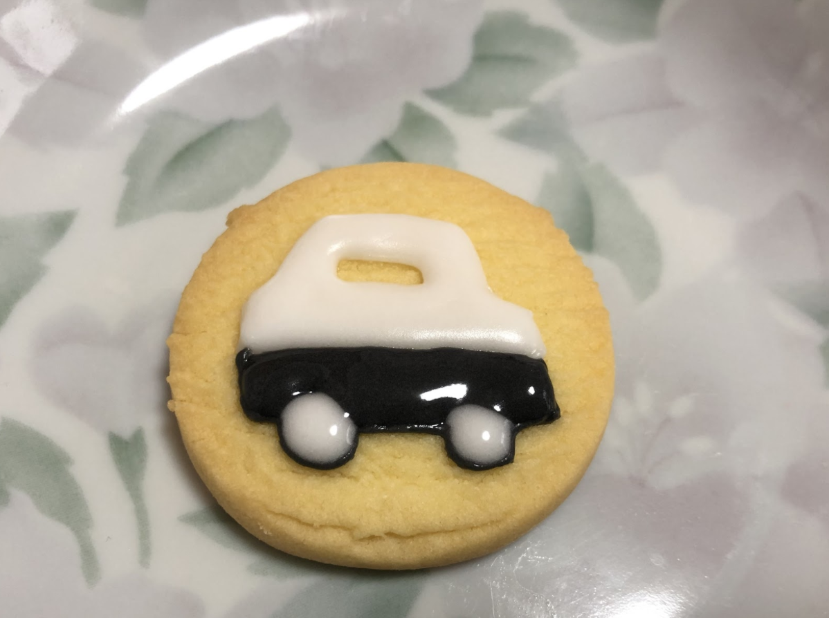 【パトカーのアイシングクッキー】初心者にも優しい作り方・レシピ