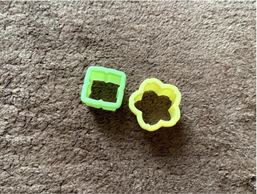 樹脂粘土を使ったハンドメイドレジン「花とパールのピアス」作りに必要な道具・揃えるものは