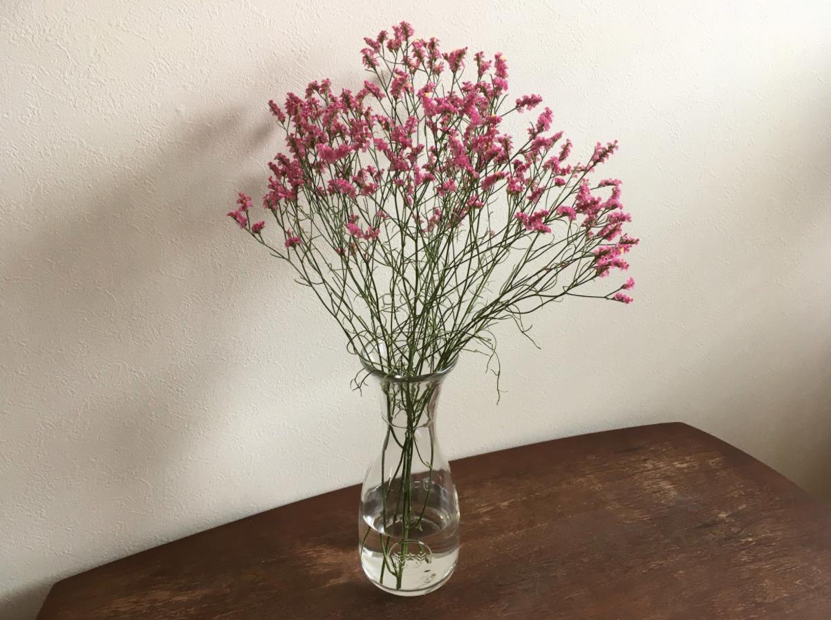 【基本のバランス】初心者の方には「花の長さ:花瓶=1:1」の比率がおすすめ