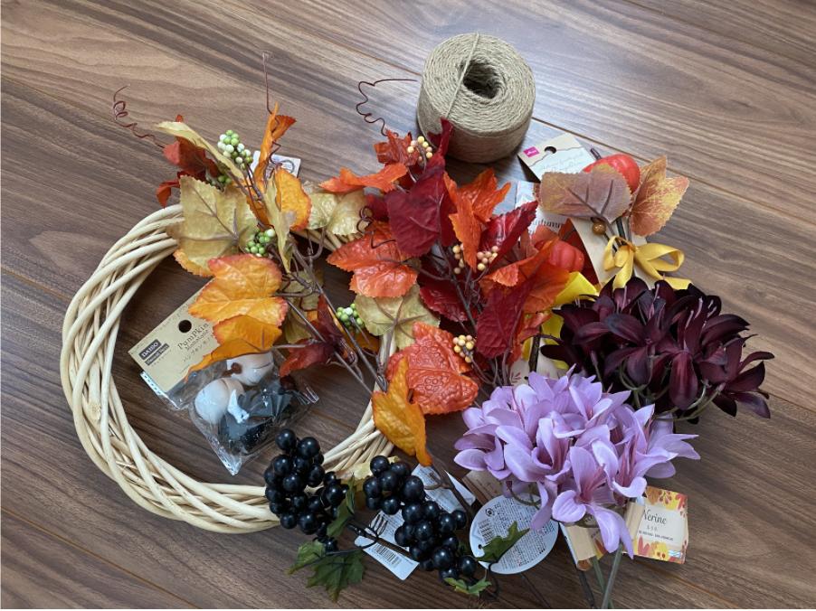 ハロウィンでおしゃれな飾り付けができる「リース」に使用する材料・パーツ