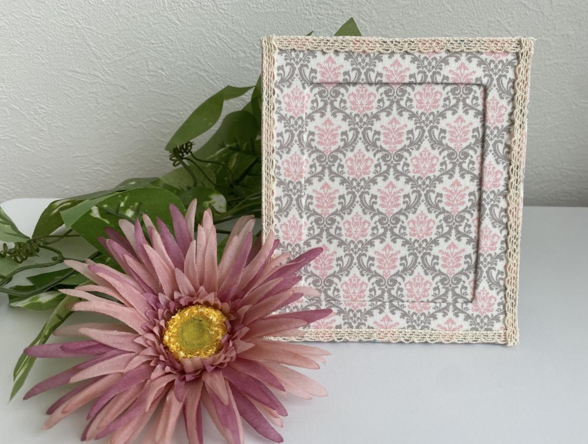 カルトナージュ初心者には型紙が大切!写真立てを作る際の作り方・レシピ